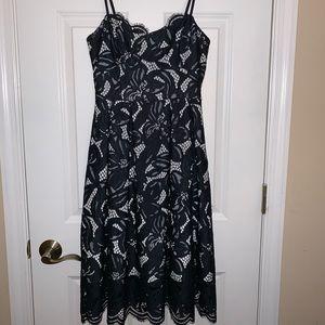 Gorgeous Lilly Pulitzer black lace dress size 00